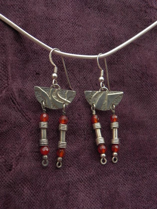 Silberohrhänger mit Unikatteilen und Karneol