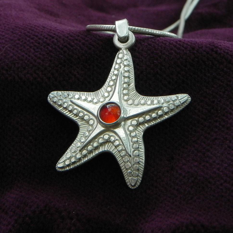 Silverpendant Starfish with Cornelian