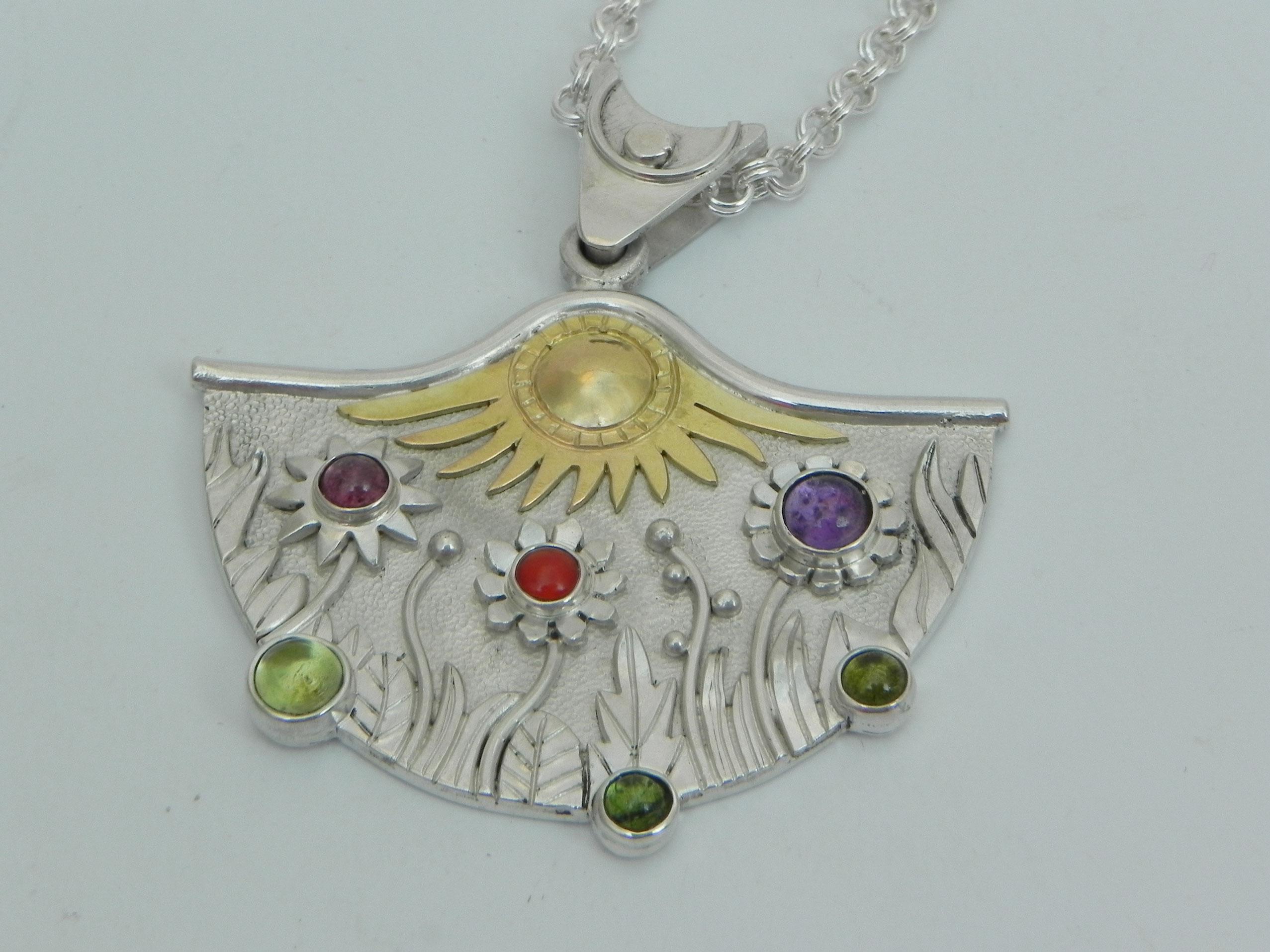 Silberanhänger mit naiver Blumenwiese 2 Ansicht