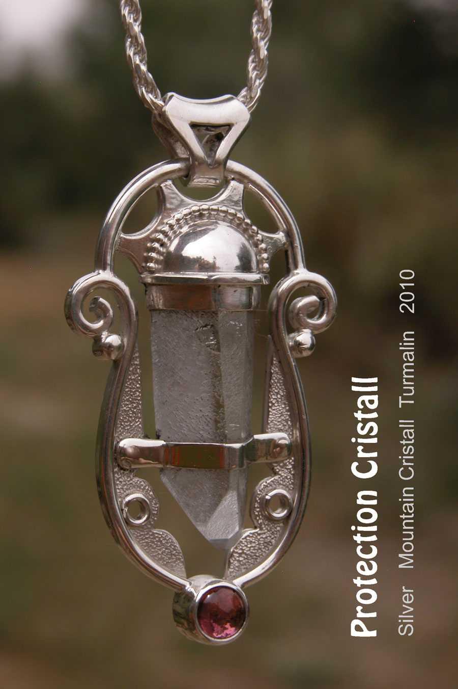 Bergkristall amulett schutzkristall unikat