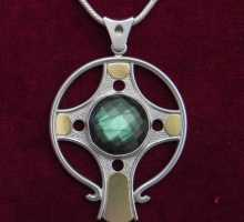 Silverpendant with Celtic cross and Labradorite