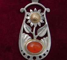 Silverpendant witth Sunflower and Karnelian